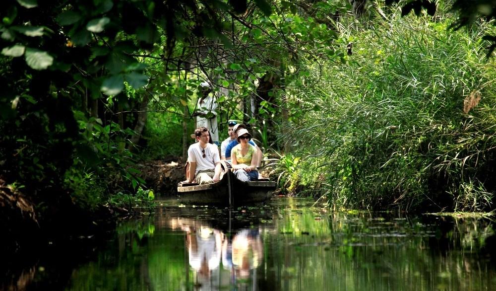 Canoe Boat Ride at Kumarakom