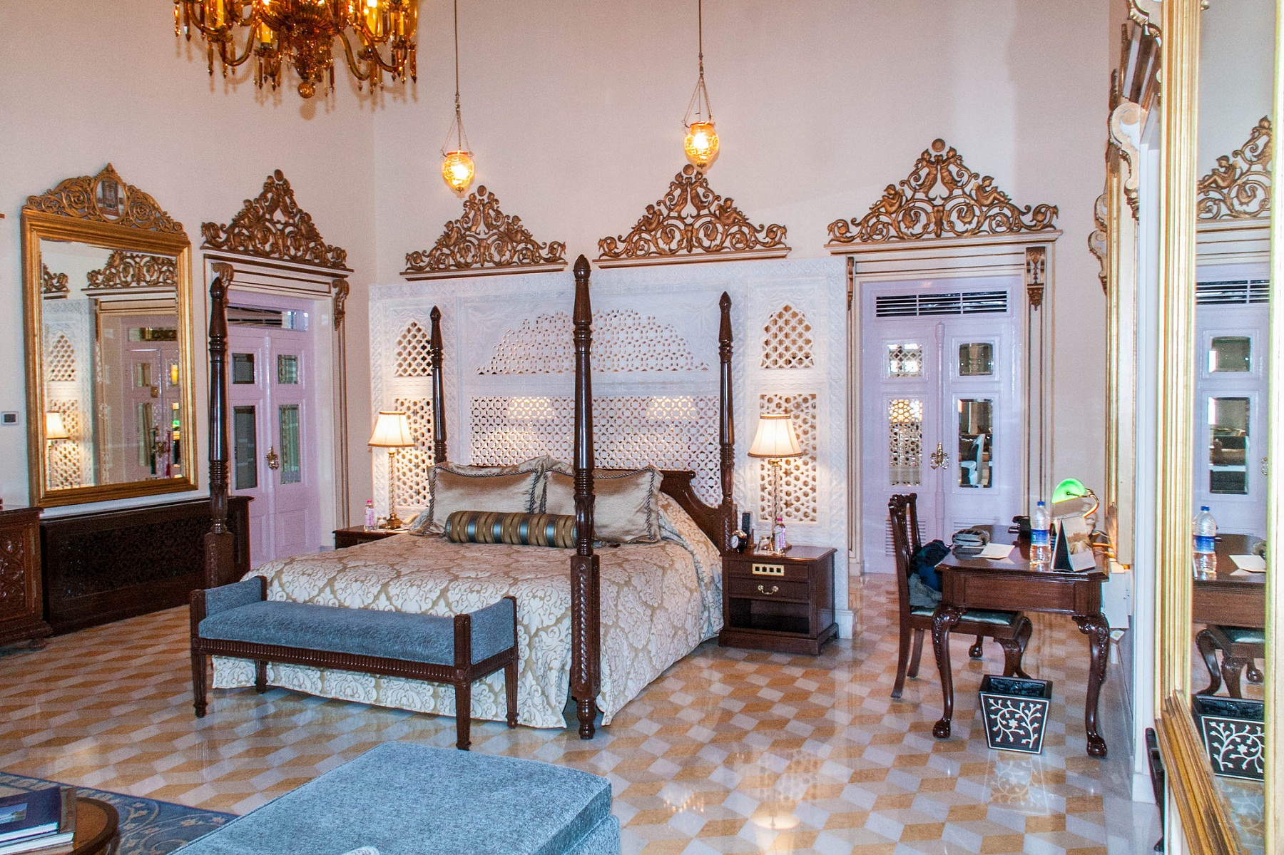Taj Lake Palace Suites