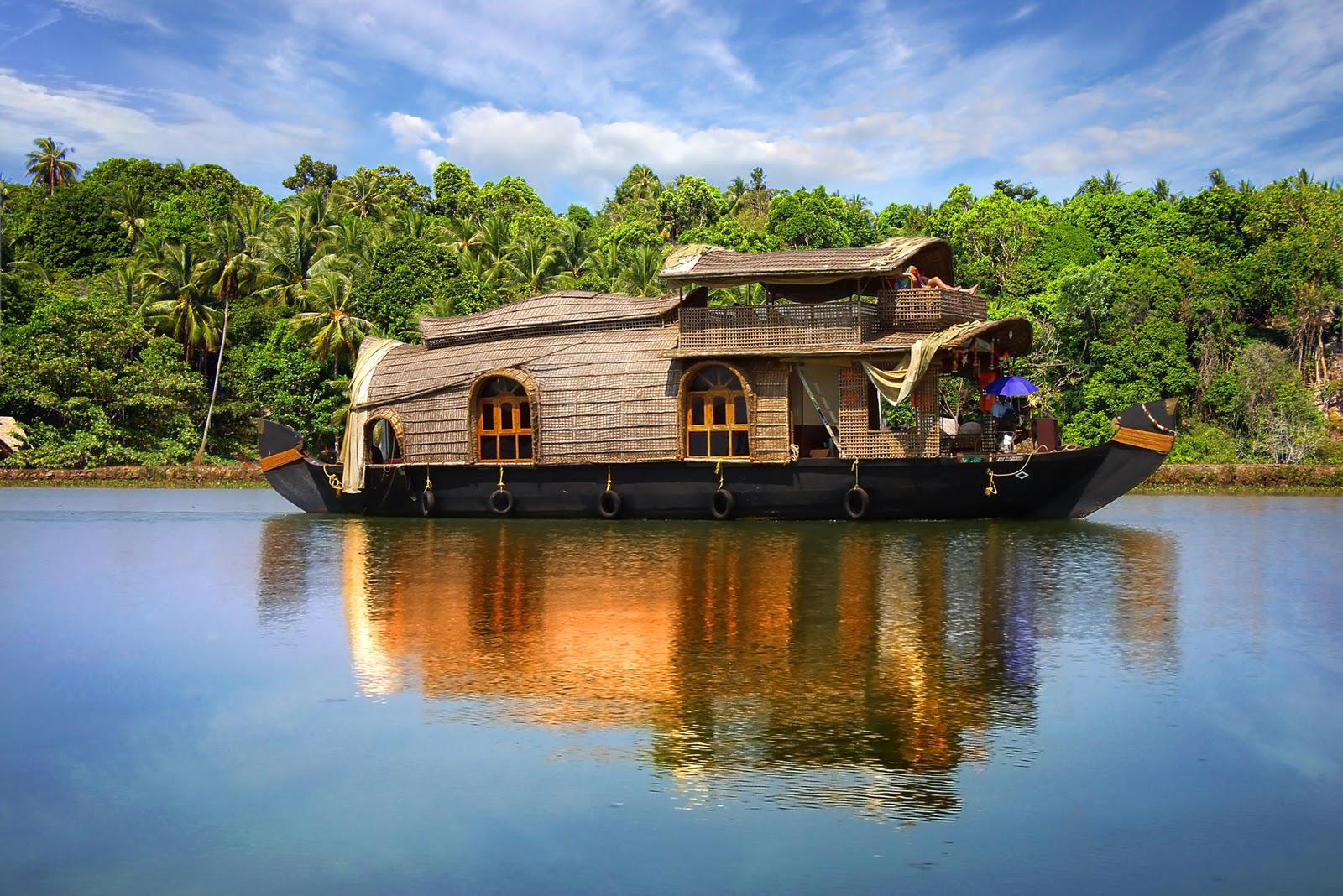 Cochin Houseboat, Kerala