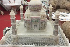 Taj Mahal Miniature Shopping