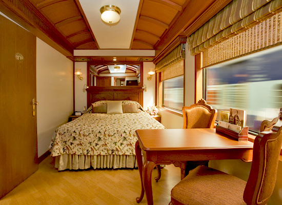 Maharajas Express Indian Splendor