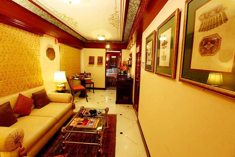 Maharajas Express Presidential Suite Of Luxury Train