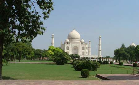 Tour to Taj Mahal Agra by Maharajas express
